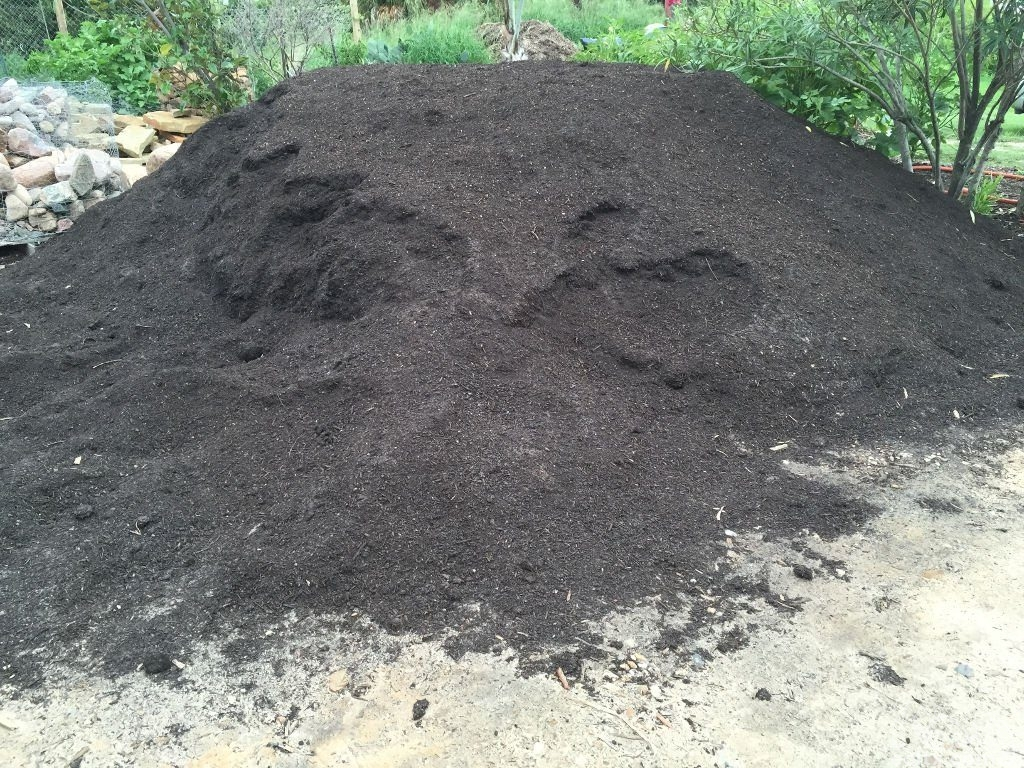Earth Creations Landscaping Compost